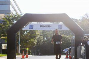 OrthoBethesda-5K-Event-Runner-Finishing