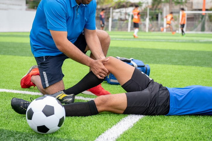 soccer knee injury